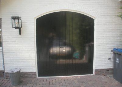 getoogde deuren met V-groeven