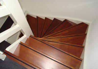 open trap van bovengezien